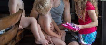 تصاویر) + تصاویر دوست داشتنی از وقتگذرانی پدرها با فرزندانشان (